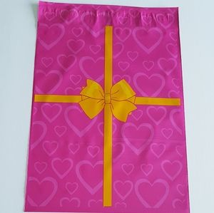 """25 Pink Poly Mailers with Hearts 10""""x13"""" inch"""